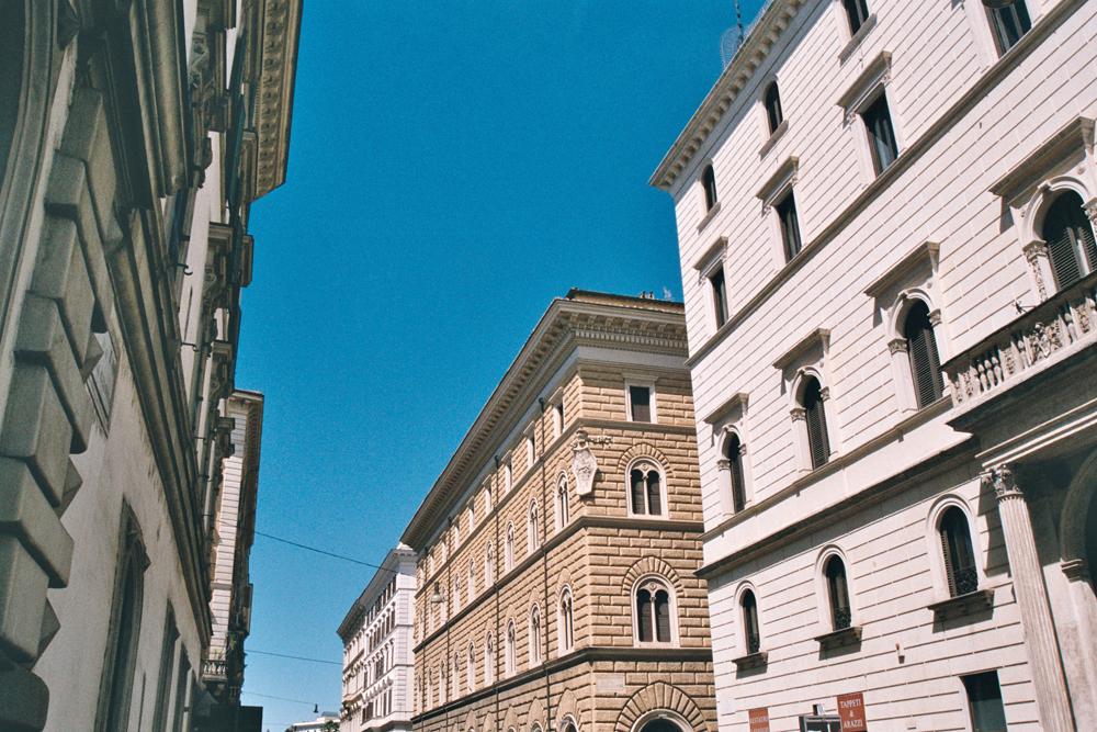 prati le quartier chic de rome le blog du pigeon voyageur. Black Bedroom Furniture Sets. Home Design Ideas