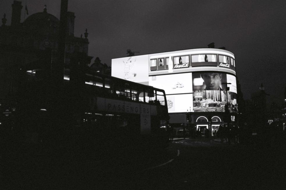 london-bw-1